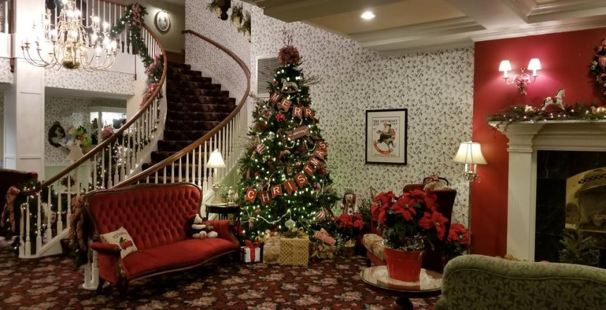 Ashley Inn Christmas staircase
